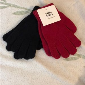 Accessories - Red and black gloves